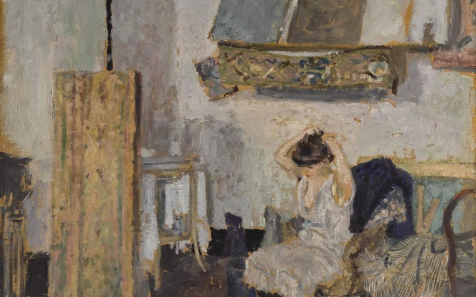 Édouard Vuillard, Modèle assise dans un fauteuil, se coiffant (c.1903)