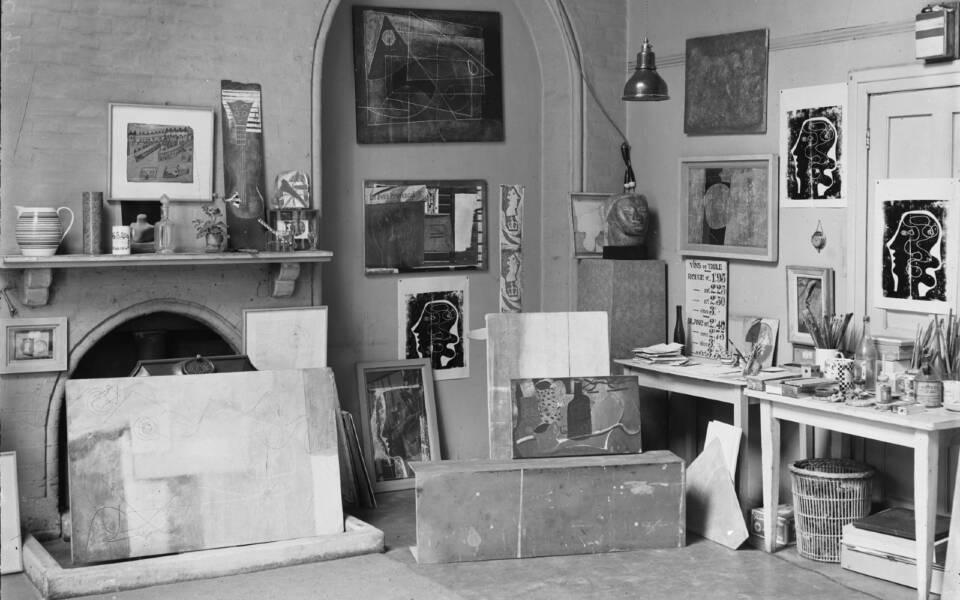 Ben Nicholson's Studio No. 7 The Mall studio, Hampstead, 1933 The De Laszlo Collection of Paul Laib Negatives Courtauld Institute of Art, London